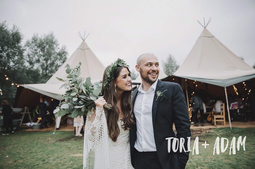 outdoor-rustic-tipi-wedding_080